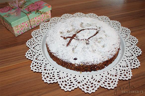 Geschenke und kuchen f r eine kleine freundin ganda - Kuchentisch und stuhle fur kleine kuchen ...